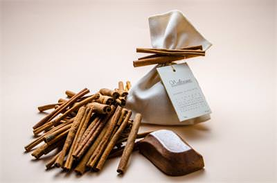 Cinnamon Soap in a Cloth Bag decorated with Real Cinnamon Sticks