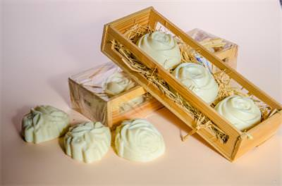3 Pieces of Soaps in Wooden Box